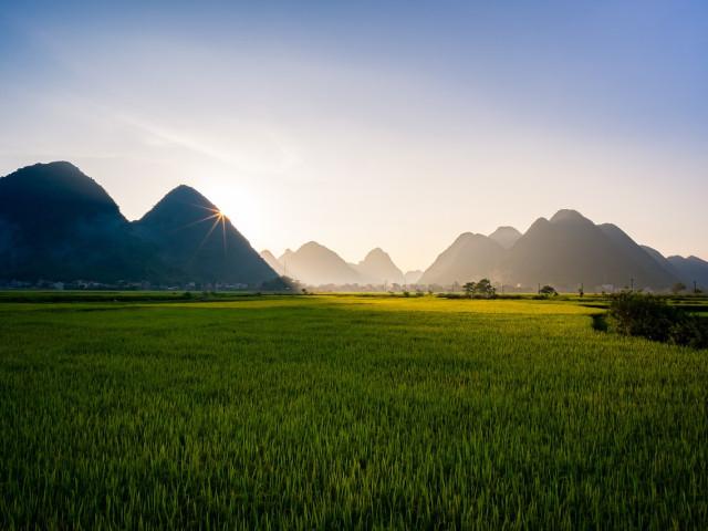 VIETNAM: Explore Vietnam Classic