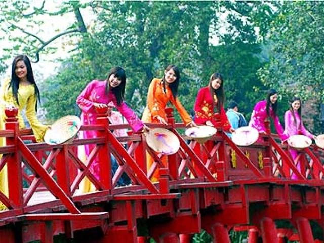 VIETNAM: TOUR TESORI DEL VIETNAM  CAPODANNO